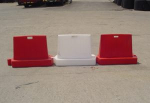 Plastic New Jersey barriers stackable