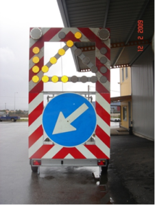 Portable signaling trailers
